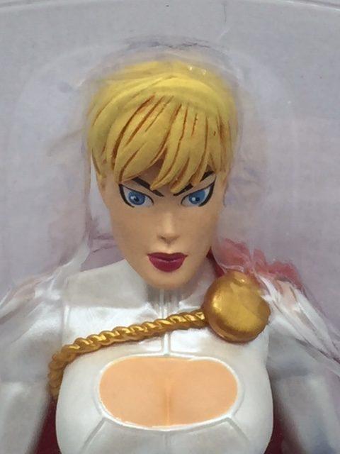 POWER GIRL figurine articulée – Batman-Superman - Vengeance 2 - series 5 - DC Direct – 761941266701 – face - Kingdom Figurine