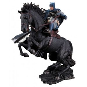 BATMAN-THE-DARK-KNIGHT-RETURNS-STATUETTE-RÉSINE-A-CALL-TO-ARMS-DC-COLLECTIBLES-37-CM-761941313054-1-kingdom-figurine.fr (2)