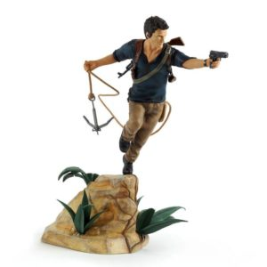 NATHAN DRAKE STATUETTE PVC - UNCHARTED 4 A THIEF'S END - GAYA ENTERTAINMENT - 30 CM - 4 - 4260474511556 - kingdom-figurine.fr