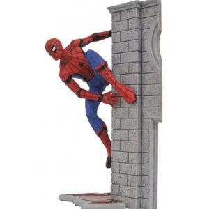 SPIDER-MAN STATUETTE PVC - MARVEL GALLERY - SPIDER-MAN HOMECOMING - DIAMOND SELECT TOYS - 25 CM - DIAMAUG172644 – 699788823637 – kingdom-figurine.fr