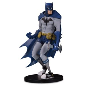 BATMAN BY HAINANU (NOOLIGAN) SAULQUE - FIGURINE VINYLE - DC ARTISTS ALLEY - DC COLLECTIBLES - 17 CM – 761941350585 – kingdom-figurine.fr