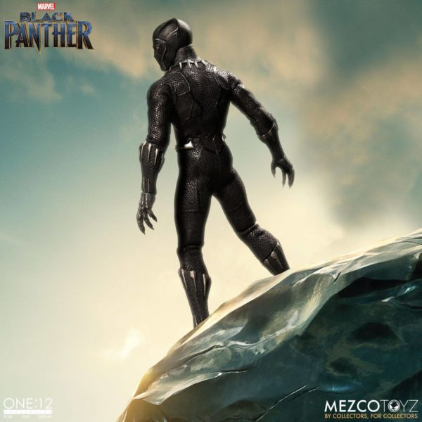 BLACK PANTHER FIGURINE ARTICULÉE - MARVEL UNIVERSE – ONE 12 - MEZCO TOYS - 17 CM – (4) - 696198769807 – kingdom-figurine.fr