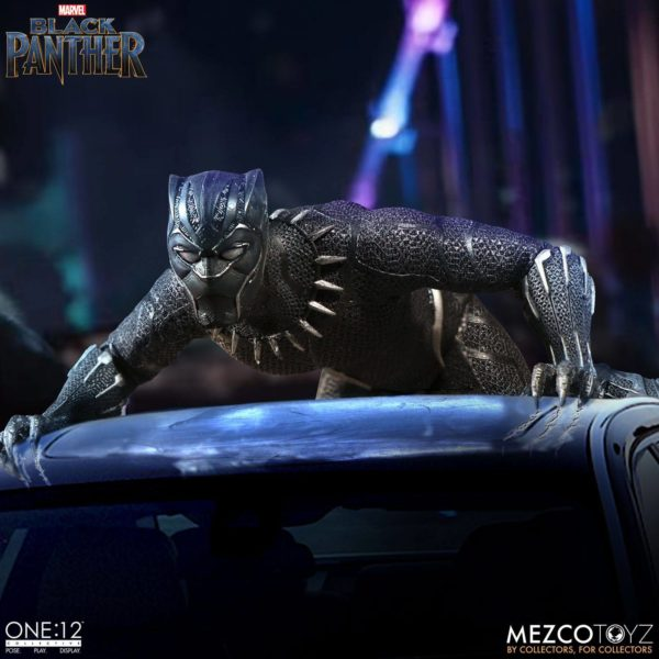 BLACK PANTHER FIGURINE ARTICULÉE - MARVEL UNIVERSE – ONE 12 - MEZCO TOYS - 17 CM – (9) - 696198769807 – kingdom-figurine.fr