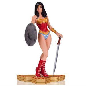 WONDER WOMAN STATUE RÉSINE - ART OF WAR BY YANNICK PAQUETTE - DC COLLECTIBLES - 18 CM – 761941320410 – kingdom-figurine.fr