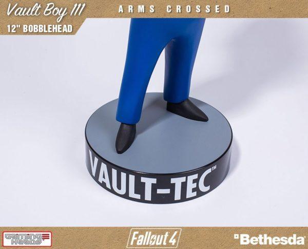 VAULT BOY 111 ARMS CROSSED BOBBLE HEAD - FALLOUT 4 - GAMING HEADS - 30 CM – (6) - 5060254181844 – kingdom-figurine.fr