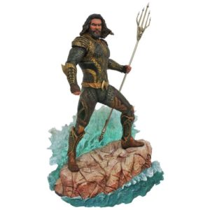 AQUAMAN STATUE - DC MOVIE GALLERY - DIAMOND SELECT TOYS - 23 CM – (1) - 699788827369 – kingdom-figurine.fr