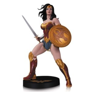 WONDER WOMAN BY FRANK CHO STATUE DESIGNER SERIES DC COLLECTIBLES 31 CM (1) 761941347493 kingdom-figurine.fr