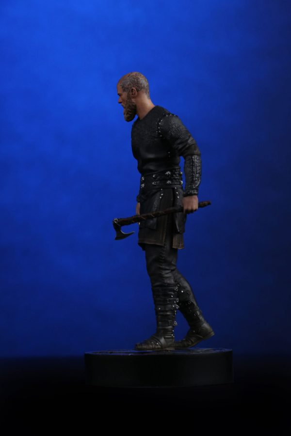 RAGNAR STATUETTE VIKINGS CHRONICLE COLLECTIBLES 23 CM (2) 707129320254 kingdom-figurine.fr