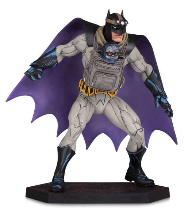 BATMAN AND DARKSEID BABY STATUE DARK NIGHTS METAL DC COLLECTIBLES 15 CM (1bis) 761941358840 kingdom-figurine.fr