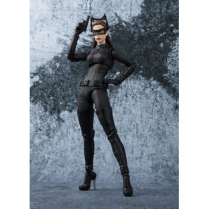 CATWOMAN FIGURINE THE DARK KNIGHT WEB EXCLUSIVE TAMASHII NATIONS 15 CM (1) 4549660239260 kingdom-figurine.fr