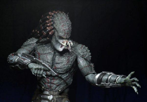 DELUXE ARMORED ASSASSIN PREDATOR FIGURINE PREDATOR 2018 NECA 30 CM (10) 634482515792 kingdom-figurine.fr