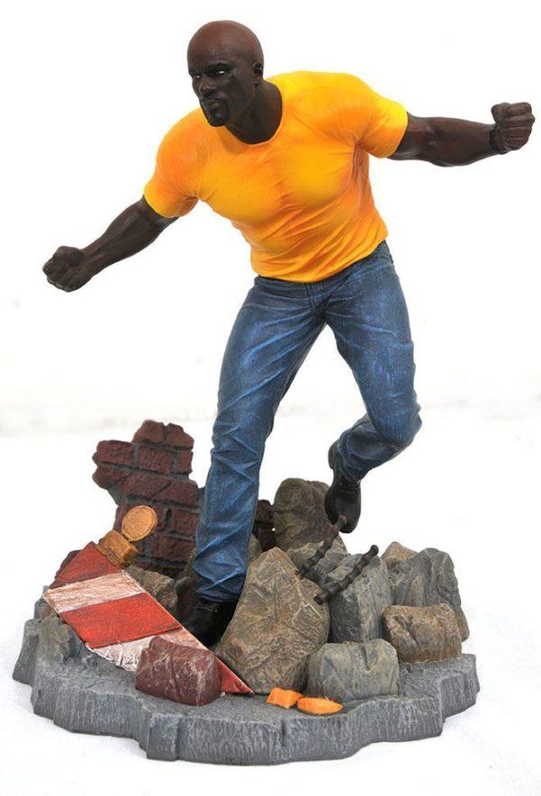 LUKE CAGE STATUE NETFLIX DEFENDERS MARVEL TV GALLERY DIAMOND SELECT TOYS 23 CM (2) 699788826584 kingdom-figurine.fr