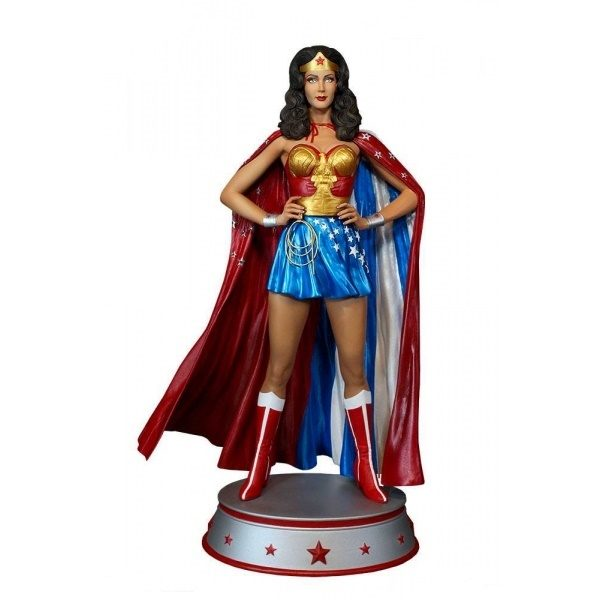WONDER WOMAN CAPE VARIANT STATUE DC COMICS TWEETERHEAD 33 CM (0) TWTH904273 kingdom-figurine.fr