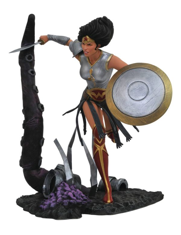 WONDER WOMAN DARK NIGHT METAL STATUE DC COMICS GALLERY DIAMOND SELECT TOYS 23 CM (1bis) 699788832738 kingdom-figurine.fr