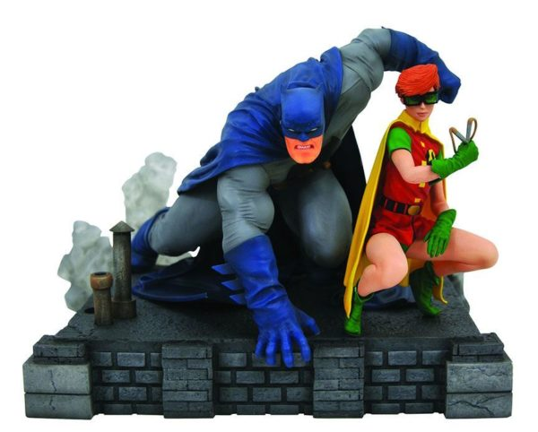 BATMAN & ROBIN STATUE THE DARK NIGHT RETURN DC COMICS GALLERY DIAMOND SELECT TOYS 20 CM (1bis) 699788833520 kingdom-figurine.fr