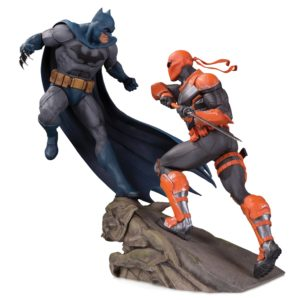 BATMAN VS. DEATHSTROKE STATUETTE DC COMICS BATTLE DC COLLECTIBLES 30 CM (1bis) 761941355955 kingdom-figurine.fr