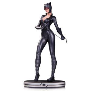 CATWOMAN BY JACK MATHEWS STATUETTE DC COVER GIRLS DC COLECTIBLES 24 CM 761941333724 kingdom-figurine.fr