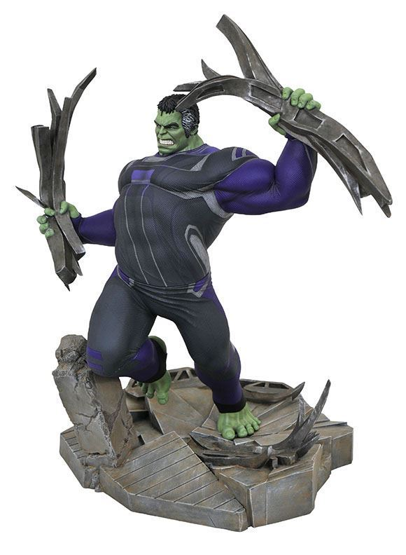 HULK TRACKSUIT STATUETTE AVENGERS ENDGAME MARVEL MOVIE GALLERY DIAMOND SELECT TOYS 23 CM (1bis) 699788833087 kingdom-figurine.fr