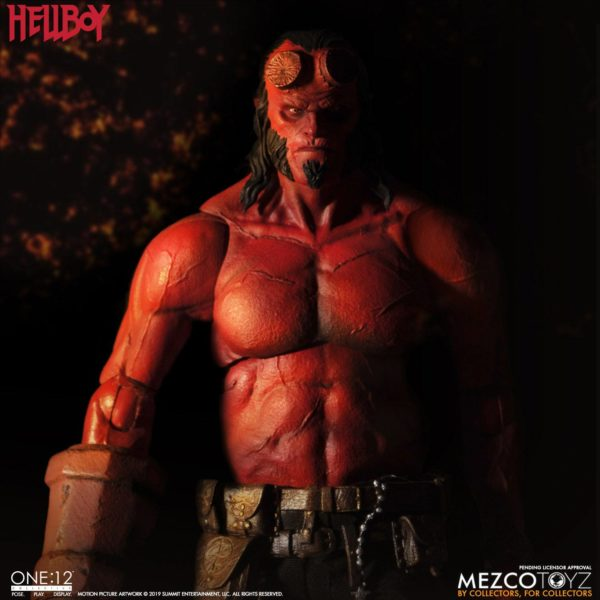 HELLBOY FIGURINE HELLBOY 2019 ONE 12 MEZCO TOYS 17 CM (11) 696198775402 kingdom-figurine.fr