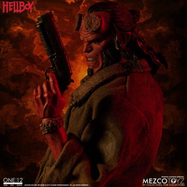 HELLBOY FIGURINE HELLBOY 2019 ONE 12 MEZCO TOYS 17 CM (3) 696198775402 kingdom-figurine.fr