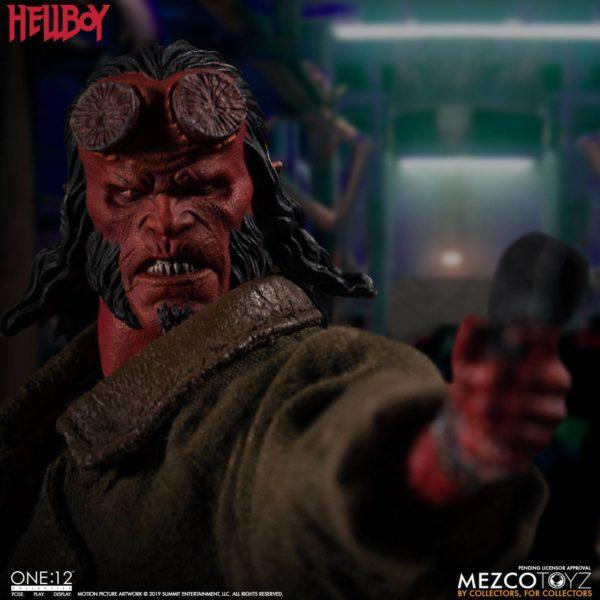 HELLBOY FIGURINE HELLBOY 2019 ONE 12 MEZCO TOYS 17 CM (6) 696198775402 kingdom-figurine.fr