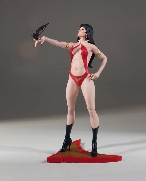 VAMPIRELLA STATUE WOMEN OF DYNAMITE BY JOSE GONZALEZ DYNAMITE ENTERTAINMENT 30 CM (2bis) 725130283320 kingdom-figurine.fr