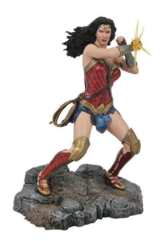 WONDER WOMAN STATUETTE JUSTICE LEAGUE DC MOVIE CLASSICS GALLERY DIAMOND SELECT TOYS 23 CM (1bis) 699788831038 kingdom-figurine.fr