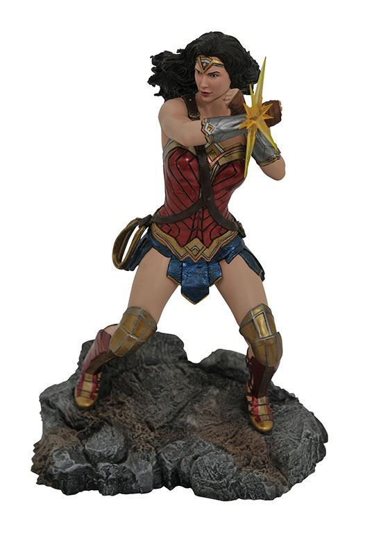 WONDER WOMAN STATUETTE JUSTICE LEAGUE DC MOVIE CLASSICS GALLERY DIAMOND SELECT TOYS 23 CM (2) 699788831038 kingdom-figurine.fr