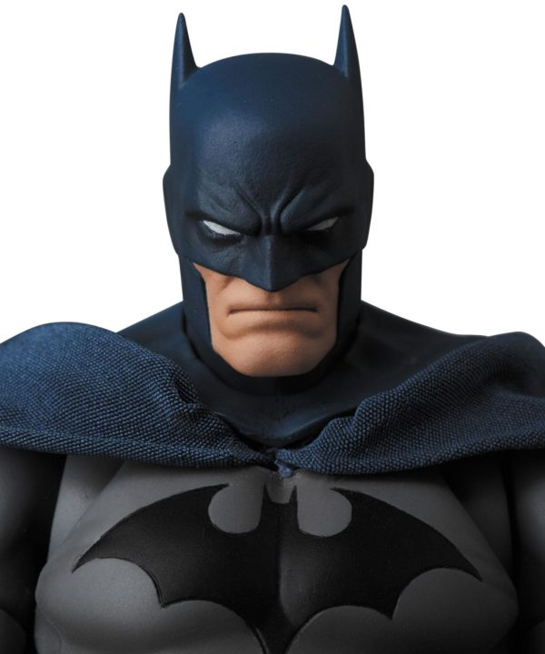 BATMAN HUSH FIGURINE MAF EX MEDICOM TOYS 16 CM (3) 4530956471051 kingdom-figurine.fr
