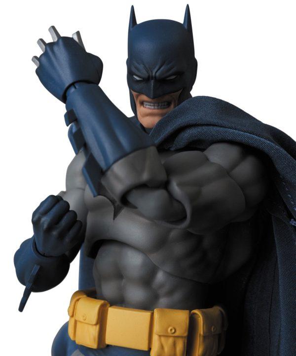 BATMAN HUSH FIGURINE MAF EX MEDICOM TOYS 16 CM (9) 4530956471051 kingdom-figurine.fr