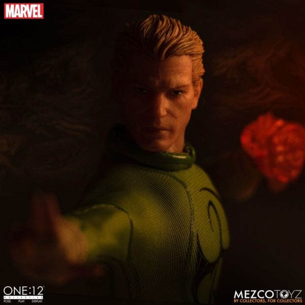 IRON FIST FIGURINE MARVEL ONE 12 MEZCO TOYS 17 CM (11) 696198775006 kingdom-figurine.fr.