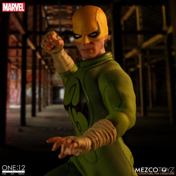 IRON FIST FIGURINE MARVEL ONE 12 MEZCO TOYS 17 CM (15) 696198775006 kingdom-figurine.fr.