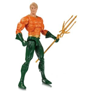 AQUAMAN FIGURINE DC ESSENTIALS DC COLLECTIBLES 17 CM 761941352084 kingdom-figurine.fr
