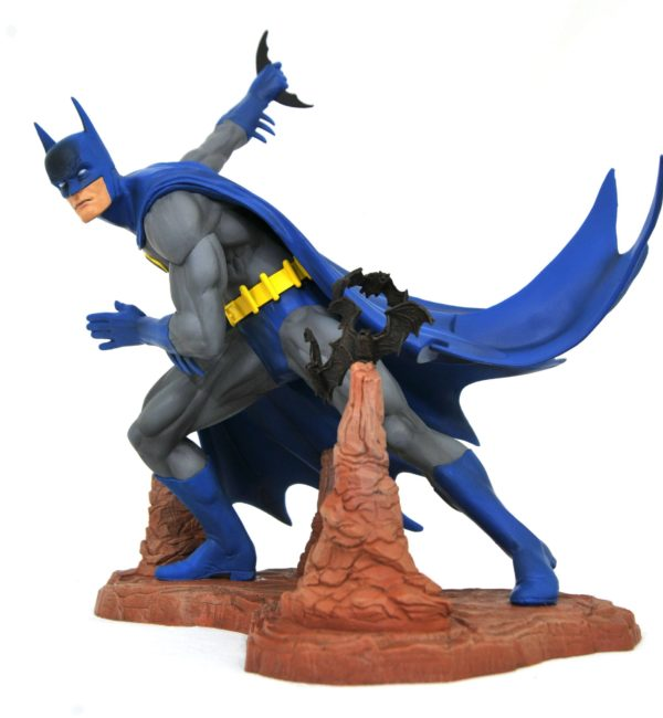BATMAN BY NEAL ADAMS EXCLUSIVE STATUETTE DC COMIC GALLERY DIAMOND SELECT 28 CM (4) 699788834442 kingdom-figurine.fr