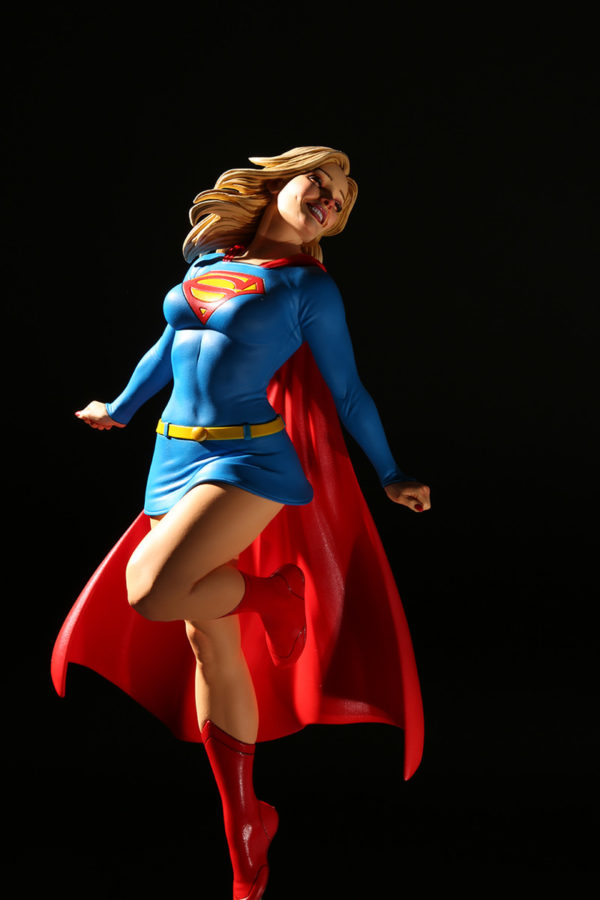 SUPERGIRL BY FRANK CHO DC COVER GIRLS DC COLLECTIBLES 31 CM (2) 761941363288 kingdom-figurine.fr