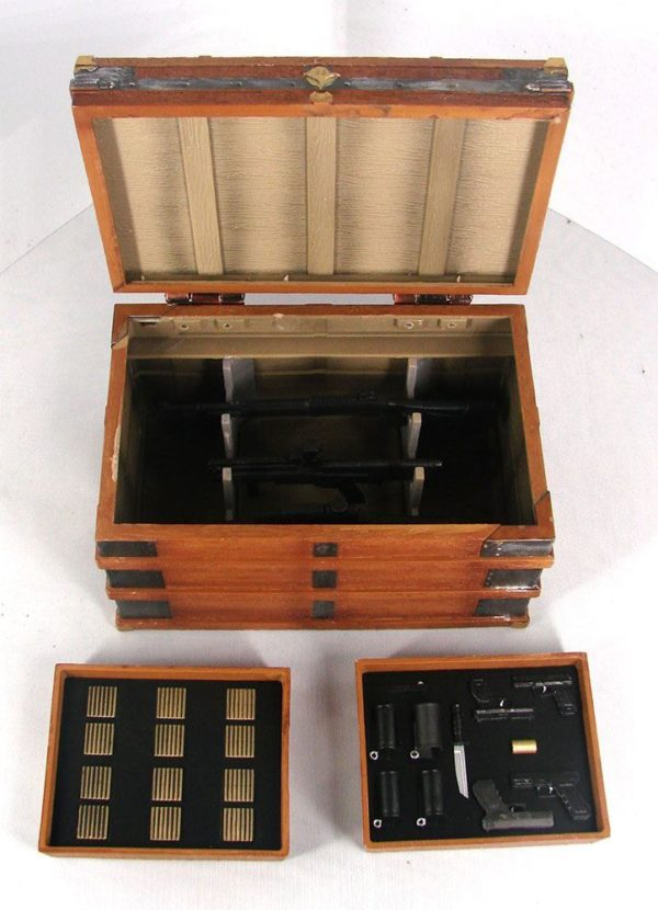 JOHN WICK FIGURINE DELUXE BOX SET DIAMOND SELECT 18 CM 699788841921 kingdom-figurine.fr (2)