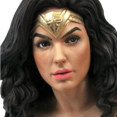 WONDER WOMAN 1984 STATUETTE DC MOVIE GALLERY DIAMOND SELECT 23 CM 699788840412 kingdom-figurine.fr (3)