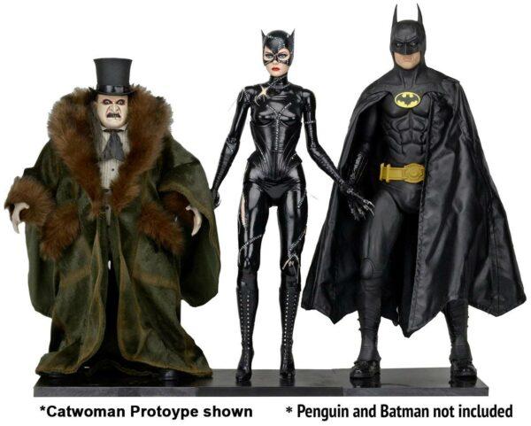 CATWOMAN MICHELLE PFEIFFER FIGURINE 14 BATMAN LE DEFI NECA 45 CM 634482614358 kingdom-figurine.fr (7)