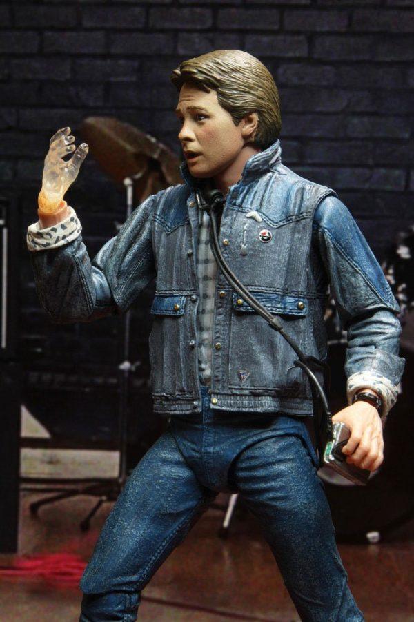 MARTY McFLY AUDITIONS FIGURINE ULTIMATE RETOUR VERS LE FUTUR NECA 18 CM 634482536155 kingdom-figurine.fr (13)